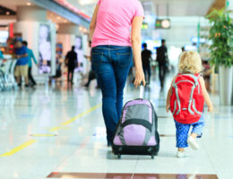 10 Tips for Single Parents to Travel with Their Children